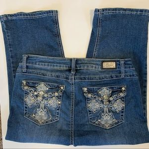 Earl capris size 12 bling embroidery stretch